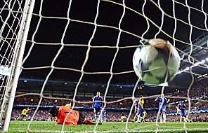 20100714002521-espana-iniesta-gol.jpg